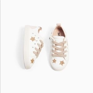 ❌SOLD❌Zara Baby Sneakers with Stars size 7